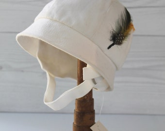 Vintage Child's Sun Hat with Chin Strap, Vintage Preppy Child's Summer Hat with Feather