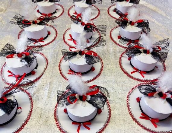 decoration de table mariage chapeau couleur rouge noir et. Black Bedroom Furniture Sets. Home Design Ideas