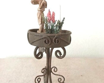 Dollhouse Miniature Flowerpot Stand in 1:12 scale