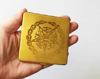 Vintage Order of the Eastern Star Compact Laura Carter Worthy Matron 1954, Mid Century Brushed Gold Compact, Ohio Masonic Collectible