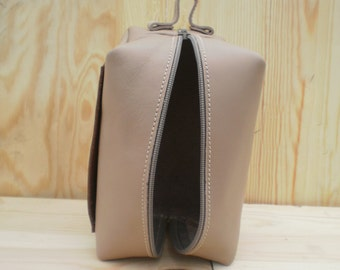 Leather shaving bag, Personalized dopp kit, Leather pouch, Toiletry, Cosmetic bag, Travel bag, Groomsmen gift, Beige& brown, Mens travel kit