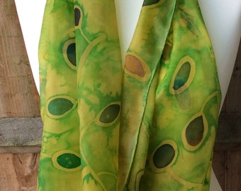 Silk scarf - Vibrant leaves