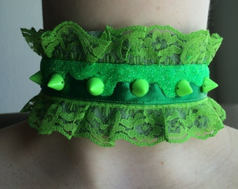 Radioactive green and acid green spikes glitter drip choker necklace
