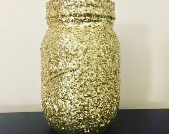 Gold Glitter Mason Jars // Glitter Home Decor // Pint Mason Jars // Mason Jar Decor // Decorative Mason Jars