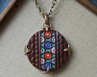 Groovy, Vintage Glass Button Necklace