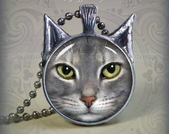 TBKG18 Grey Tabby Cat pendant