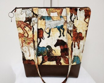 Horse Tote Bag, Vinyl Bottom, Large Purse with Horses, Tote Bag with Pockets, Washable Travel Bag with Horses, Weekend Bag with Horses.