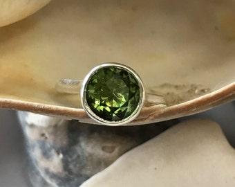 Peridot Ring, Green Peridot Ring, Peridot Engagement Ring, Peridot Bezel Ring, Bezel Ring, August Birthstone, Green Stone Ring