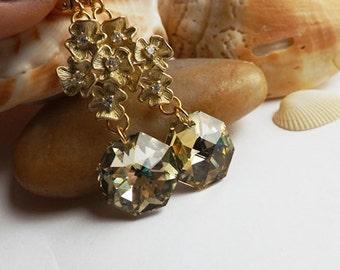 Fleur d'or cristal Swarovski boucles d'oreilles, boucles d'oreille or cristal, strass fleur d'or, bijoux mariée, demoiselles d'honneur, mariage, formelle
