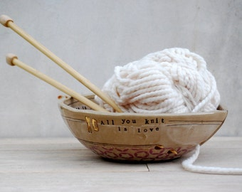 Yarn bowl - Ceramic yarn bowl - Large knitting bowl - handmade yarn holder -  knitter gift - Yarn organizer
