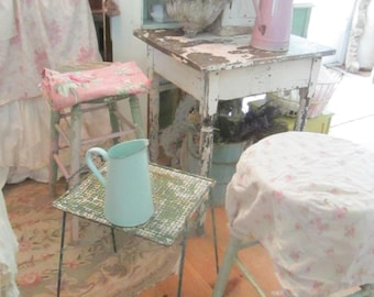 Chippy minty green Vintage metal side table shabby chic vintage cottage Prairie
