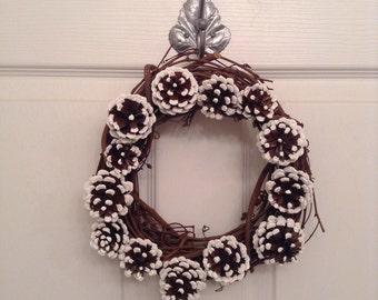 10 inch Pinecone Christmas wreath. Pinecone winter wreath. Christmas decor. Winter decor. Holiday decor.