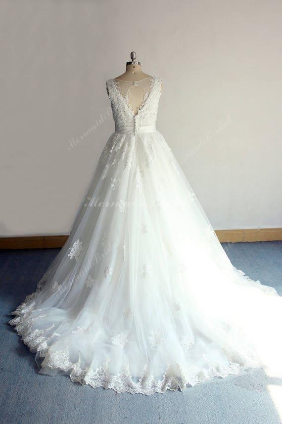 Elfenbein Vintage Spitze Tüll Brautkleid Keyhole zurück
