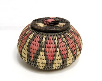 SM Tribal Woven Lidded Basket/ Jewelry or Trinket Box/ Vintage Ethnic Folk Art