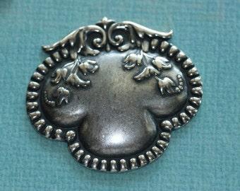 Silver Floral Medallion 1610