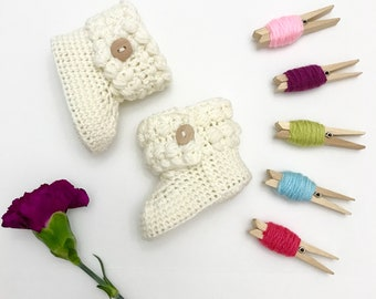 Girls Baby Booties, Crochet Baby Booties, Baby Boots, Baby Shoes, Baby Ugg, Baby Girl, Baby Shower Gift, Newborn Baby Gift