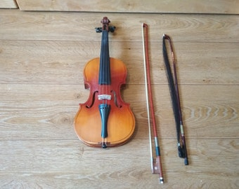 The old violin of the USSR
