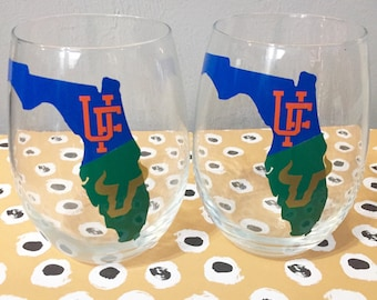 House divided wine glass uf/usf gators bulls can be done for any school listing is for ONE glass