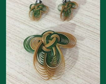 Mid Century Green And Gold Hand-Woven Intricate Matching Earrings And Brooch Set ~ Very Unique