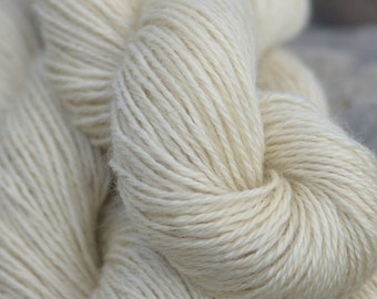 Farm Fresh Mill Spun Wensleydale Farm Wool 3 Ply Aran Weight Natural White