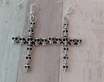 Skull earrings, skull jewelry, gothic earrings, gothic jewelry, punk earrings, punk jewelry, day of the dead, Halloween earrings,