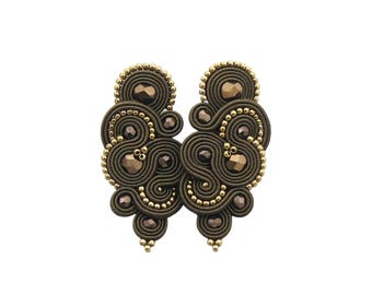 AVAILABLE - Stylish and exlusive earrings 'mirino brown soutache'. Handmade trendy soutache earrings