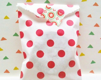 Set of 25 favor Bags, polka dots in red
