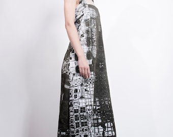 Long Evening Gown with Print and Cut Out on the Back