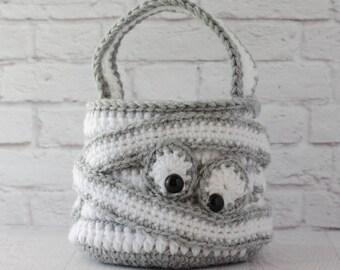 Halloween CROCHET PATTERN instant download -  Crochet Mummy Bag Crochet Trick or Treat Bag