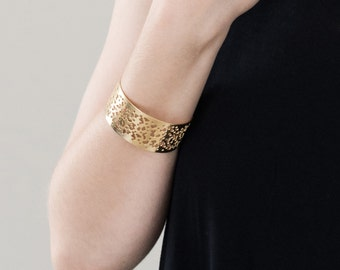 geometric bracelet, modern gold bracelet, architectural bracelet, statement bracelet, metal cuff bracelet, fashion bracelet, square bracelet