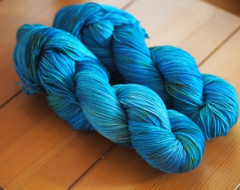 Sea Holly Turquoise Blue Green with Yellow Speckles Hand Dyed Yarn // Merino Nylon Sock Fingering Weight Yarn // Superwash Sock Skein