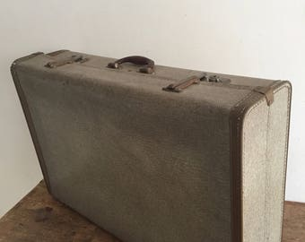 Large suitcase adjustable height