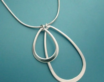 petals - sterling silver necklace