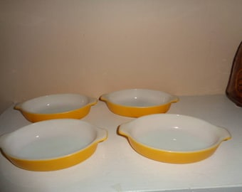 Vintage Pixie Pyrex Casseroles Set of 4