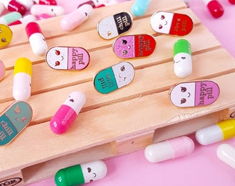 Happy pill GLITTER wit roze Kawaii pin   Student gift   Gift Nurse   Gift Pharmacist   Gift Doctor   Enamel Chill Pill Pin   Just chill