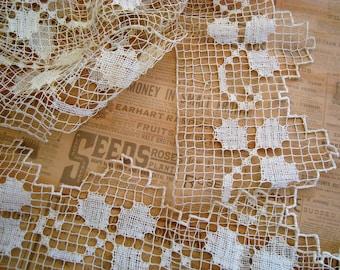 "Shamrocks Antique Ecru Netted Handmade Bobbins Lace 3.5"" Wide x 2 YARDS"