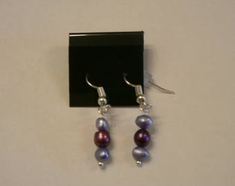 Freshwater Pearl Earrings on Silver plated french hooks.