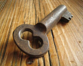 The key to my heart .... an old rusty key . No. 27 . antique vintage charm embellishment collectable