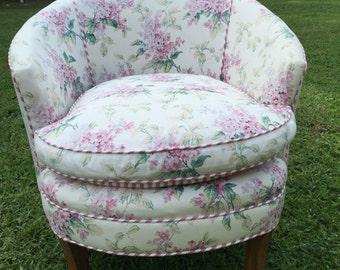 Mid CenturyVintage slipper chair