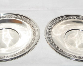 Vintage pair of Reed & Barton #1204 large round silverplate serving platters plates with roses pattern around the edge