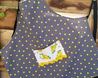 Spotted Apron, kitchen apron, craft apron, woman's apron