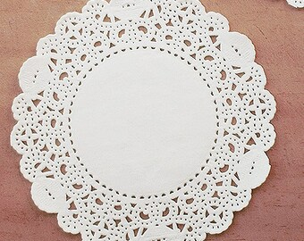 30 Romantic Ivy Lace Paper Doilies (5.5in)