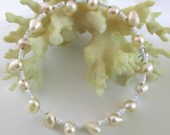 Peach Pearl Bracelet - B212