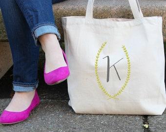 Laurel Wreath Initial Personalized Tote Bag // Bridesmaid Laurel Personalized Tote Bag Custom Bridesmaid Canvas Bag // Wedding Gift Tote Bag