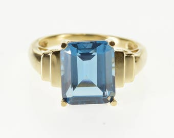 10K Emerald Cut London Blue Topaz Grooved Ring Size 8.75 Yellow Gold
