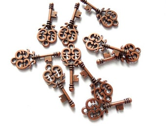 10 Antique Copper Key Charms, Jewelry Making - 21-46-3