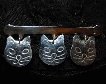 Dangling Trio of Cat Faces Vintage Sterling Silver Cat Brooch #BKC-KBRCH12