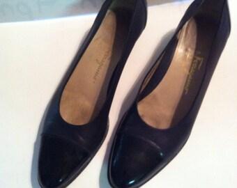Vintage Women's Ferragamo Black shoes SZ 6 1/2
