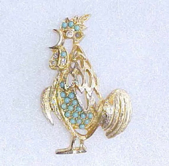 Mid Century Textured Gold Metal Rooster Cock Pin Brooch Turquoise Rhinestones 1.5""