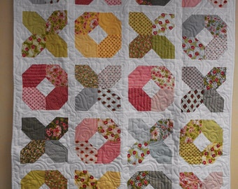 """Quilt, X's and O's Quilt, Hugs and Kisse Quilt,  Crib Quilt, Lap Quilt, Throw Quilt, Youth Quilt, Play Quilt 44"""" x 54"""""""